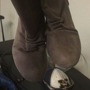Shoes - Size 7 booties